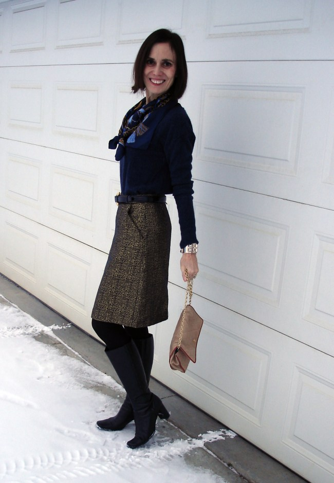 fashion blogger in Thanksgiving look with brocade skirt