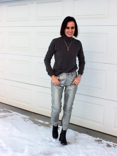 style blogger in silver leather pants and gray sweater