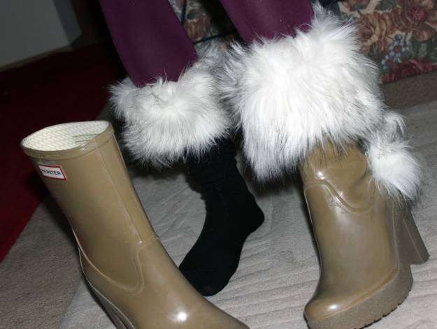 putting on boot toppers