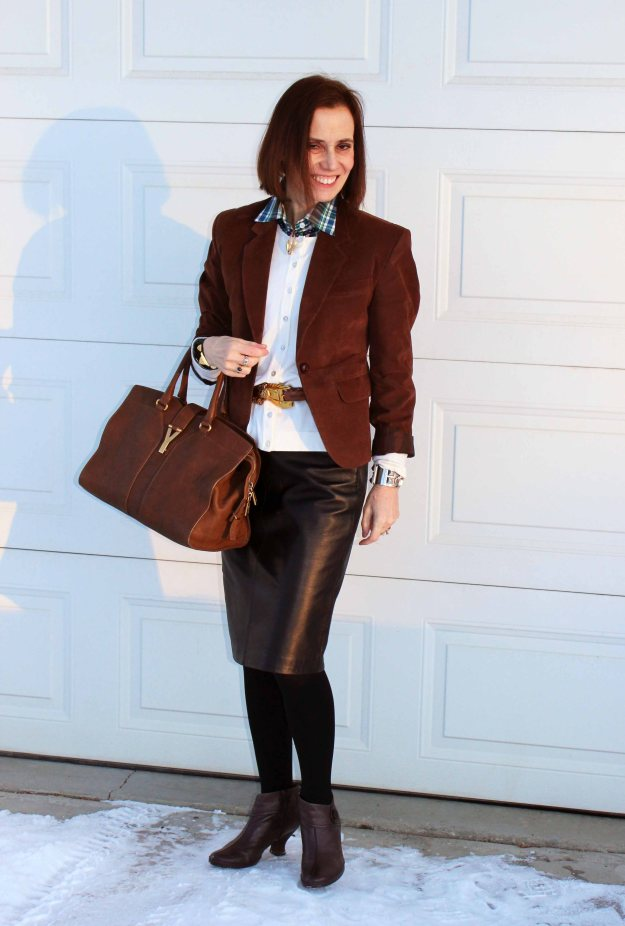 #fashionover50 office look with black and brown colors
