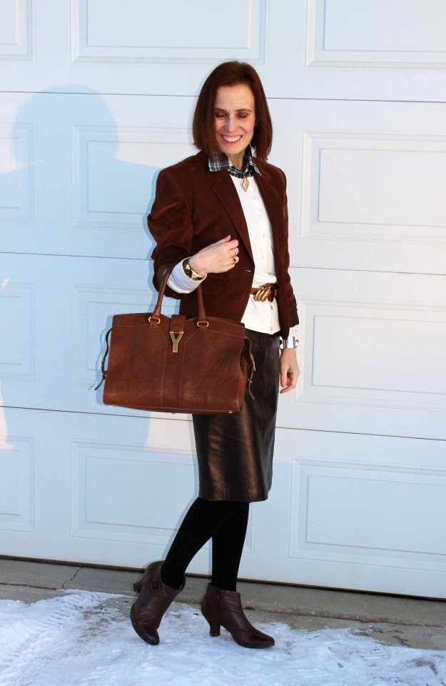 #styleover50 woman in a brown and black office look