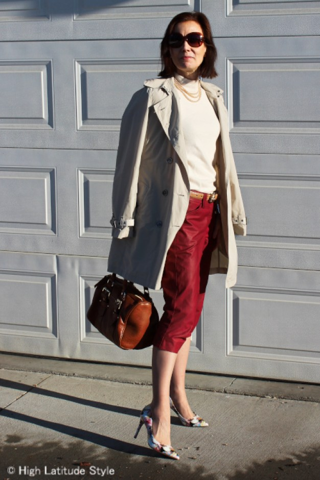 #over40style Classic American outfit with trench coat