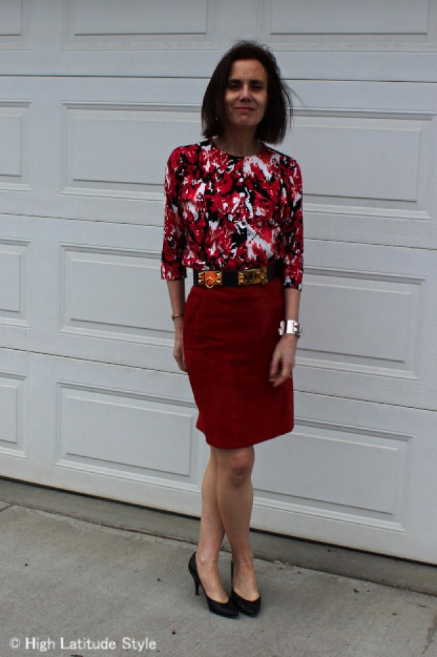 #styleover40 woman with red skirt and floral top