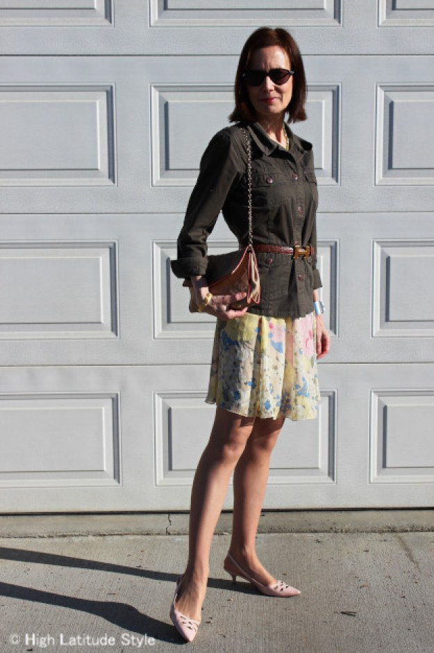 blogger Nicole avoids looking old in pastels by pairing with olive
