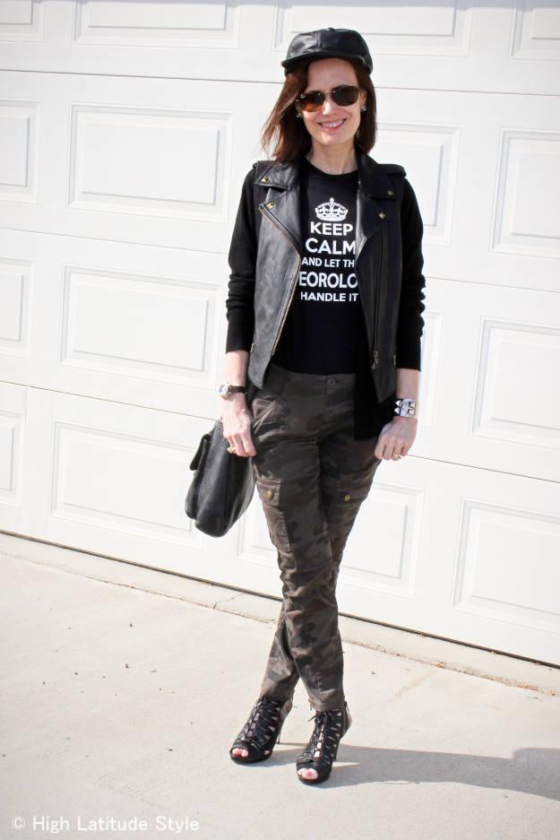 midlife woman in outdoor concert Rock-inspired look