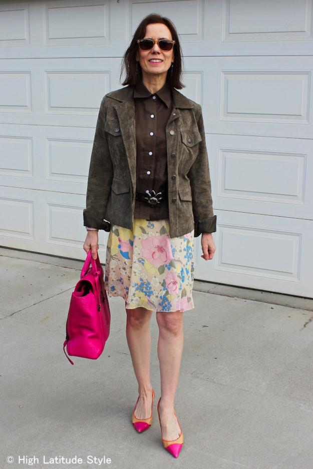 #suedeUtilityJacket #butondownshirt #pastelfloralskirt