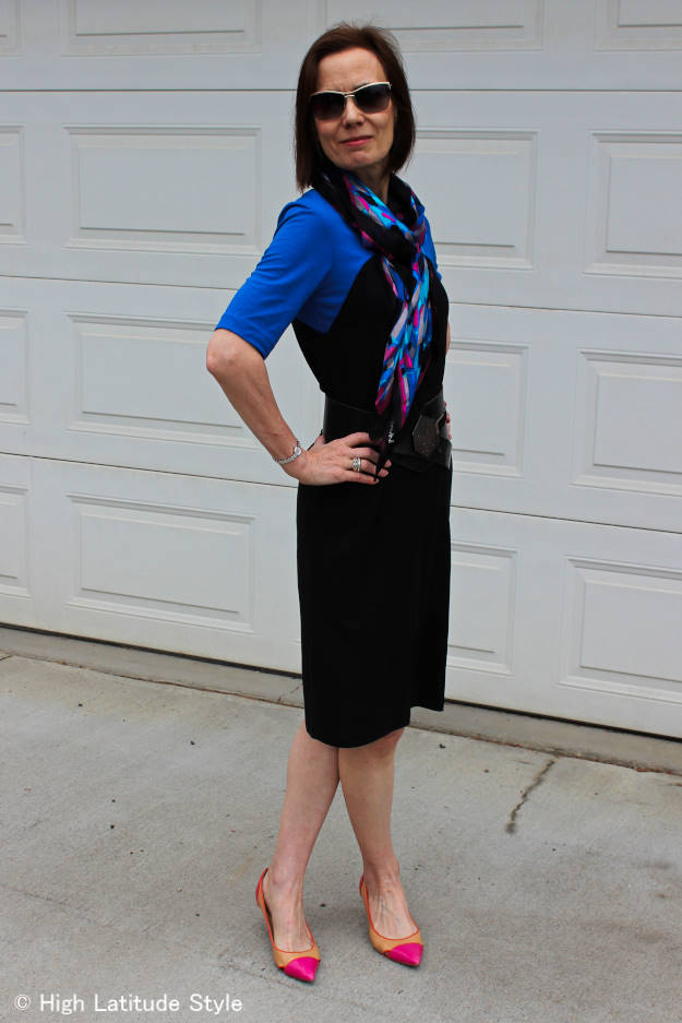 #RonenChen #fashionover40 Mature women wearing a color block dress