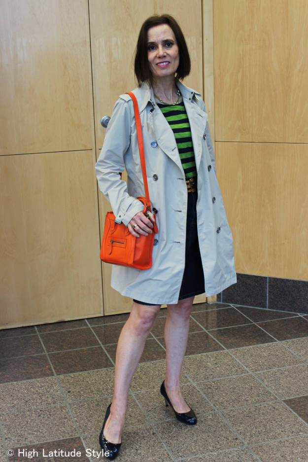#maturestyle style blogger Nicole in denim skirt with striped shirt and trench coat