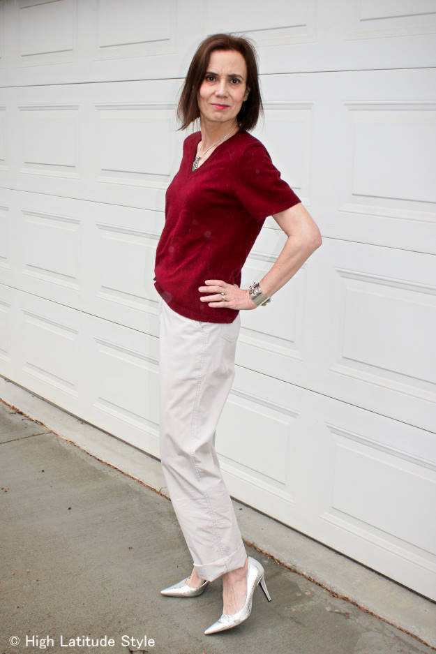 #fashionover50 mature woman in chinos and silver pumps @ High Latitude Style