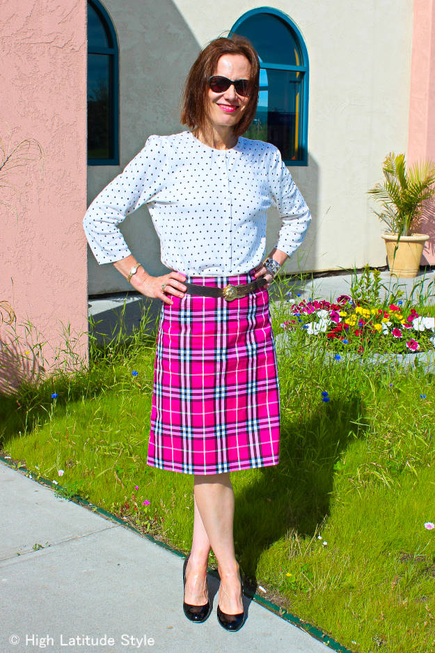 #plaidskirt #fashionover50 older woman in a Burberry pink plaid skirt and polka dot top