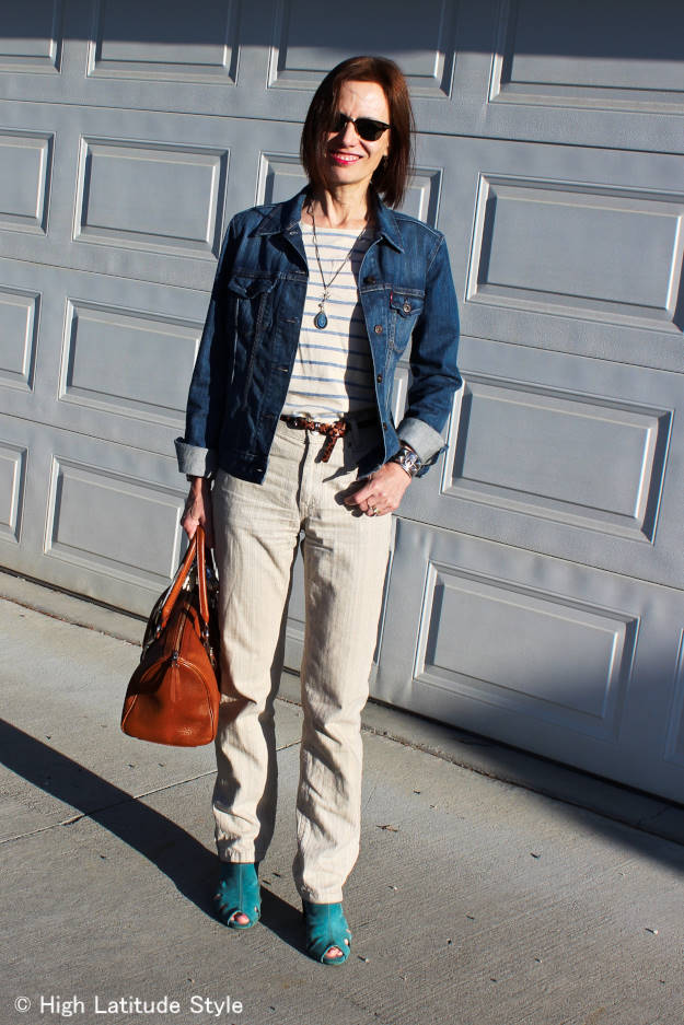 #MarineLayer #fashionover40 Tee with linen pants and denim jacket