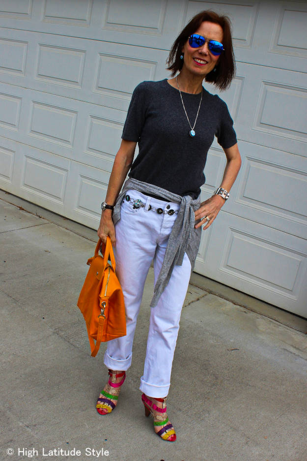 style blogger in statement belt American West look