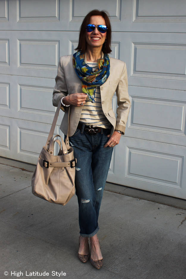 #MarineLayer fashion blogger wearing street style with a striped Tee and distressed jeans