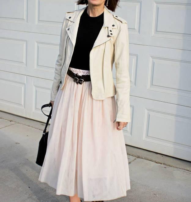 #streetstyle #LookbookStore #HighLatitudeStyle #wearingPastelsinFall