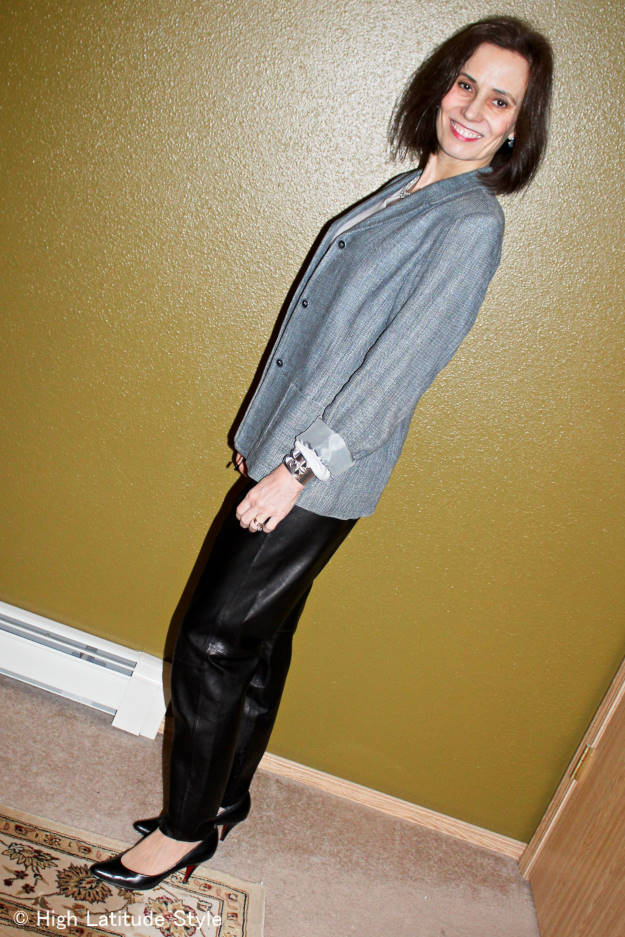 #over40 #fashion Office outfit with jogging pants and linen blazer  | High Latitude Style | http://www.highlatitudestyle.com