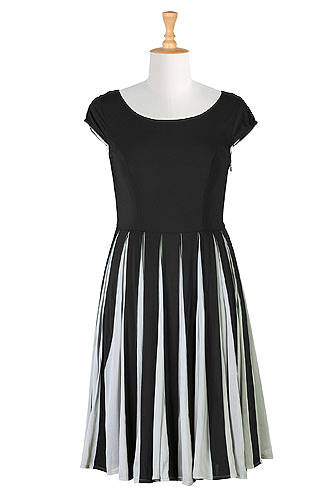 #midlifefashion posh spring trend: black and white