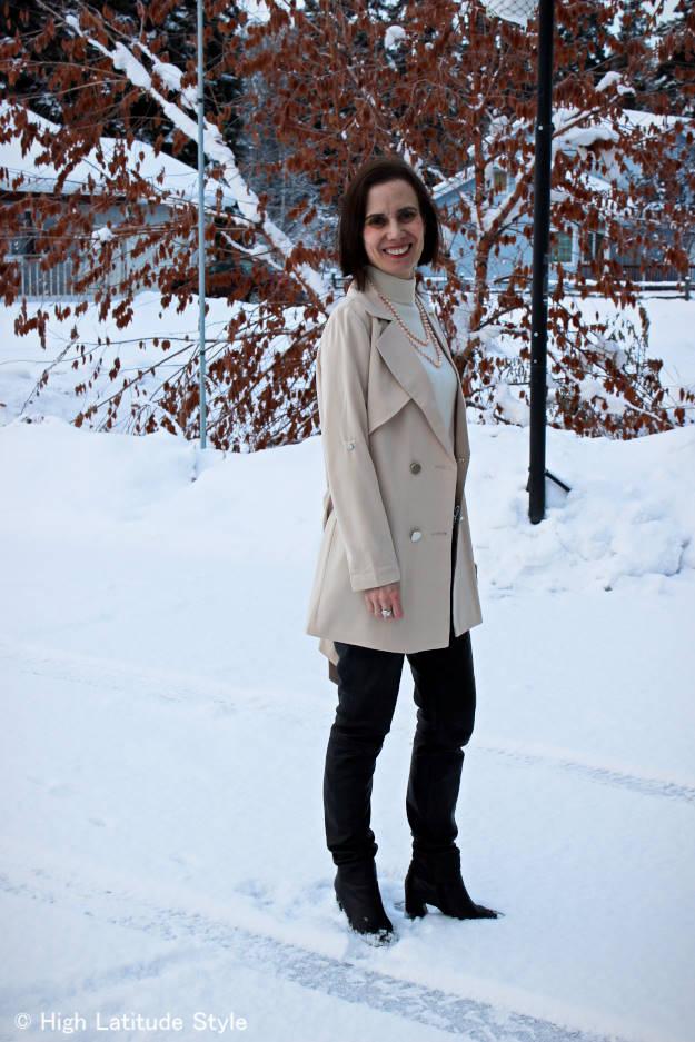 #fashionover50 mature woman wearing skinnies