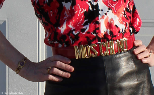 #accessoriesover40 Moschino belt details