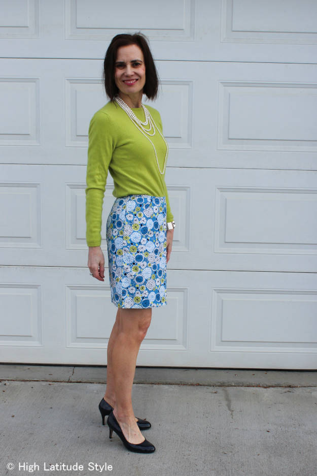 #fashionover50 mature woman in spring work outfit