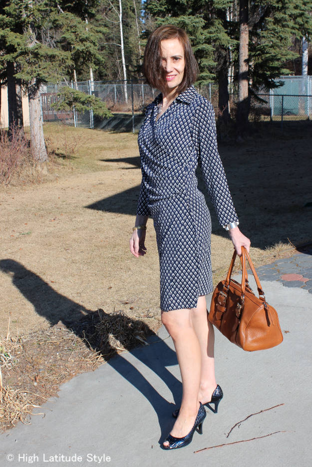 style book author in a Samantha Brown blue white travel dress