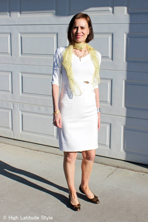 #fashionover50 sheath dress for work using a pin instead of a belt