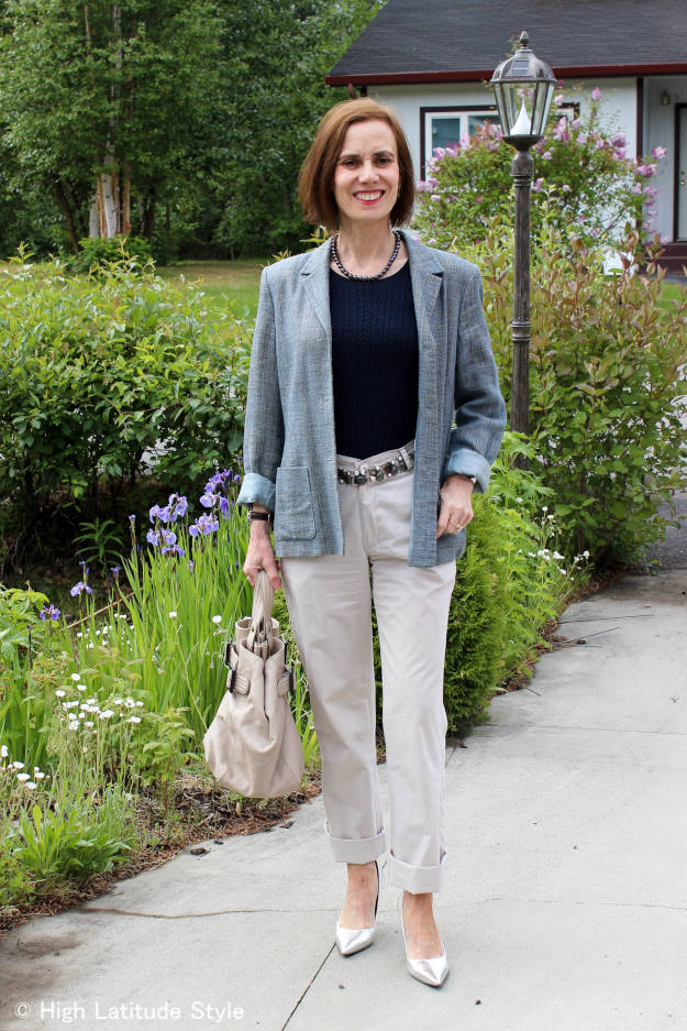 over 50 years old fashion blogger in business casual outfit with chinos and blazer without clutch