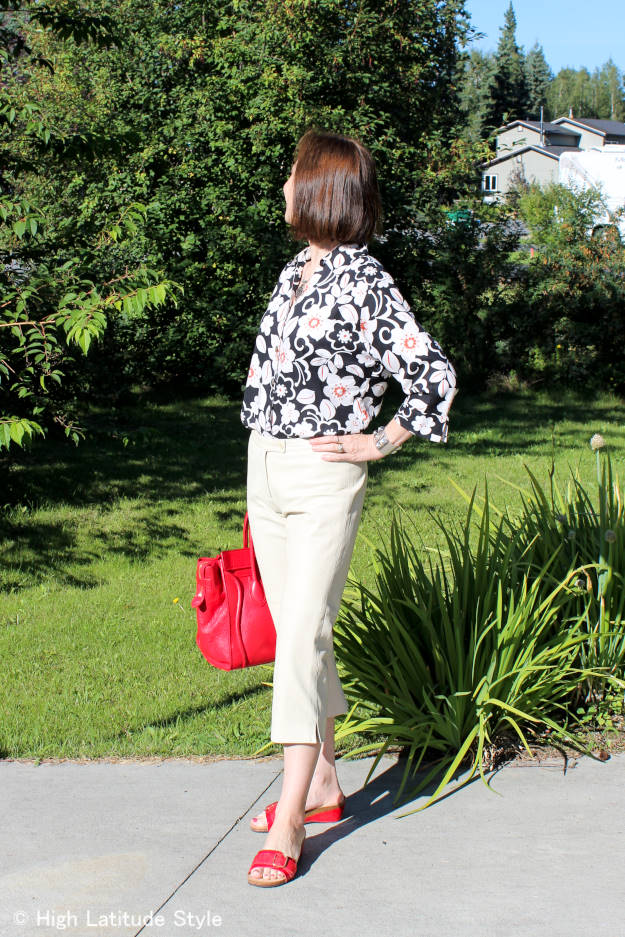 Fashion blogger Nicole wearing the global trend in an ageless style
