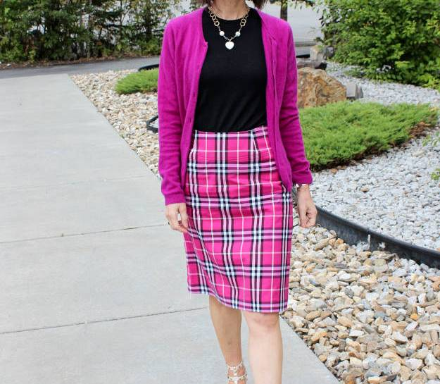 #fashionover40 #fashionover50 How to wear plaid over40: example plaid skirt @ High Latitude Style @ http://www.highlatitudestyle.com