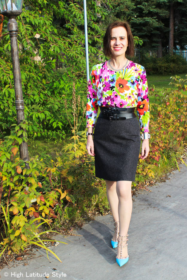 #styleover40 mature woman in fall work outfit with tweed skirt and colorful top