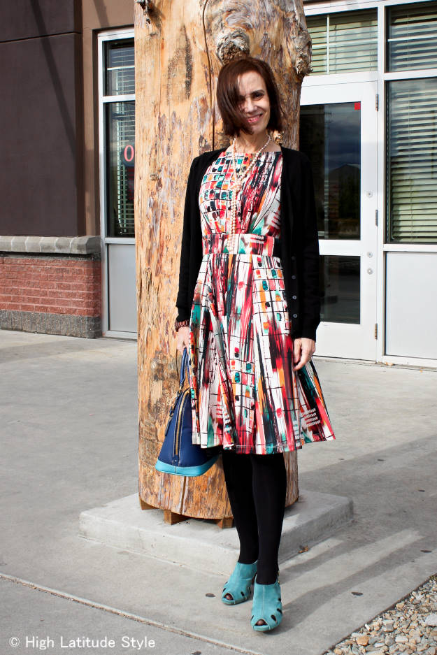 #over50fashion over 50 fashion blogger Nicole in summer dress styled for fall