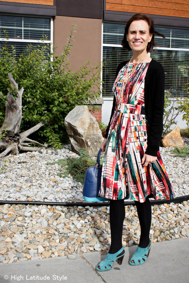 printed summer layering outfit with dress and cardigan for the office