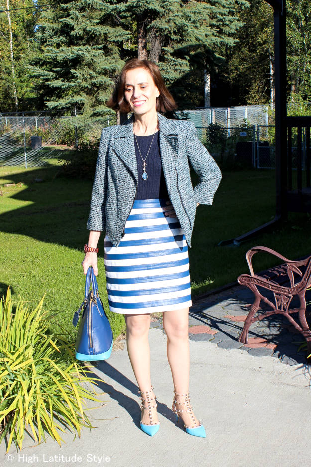 #fashionover50 great look in tweed with unexpected cut
