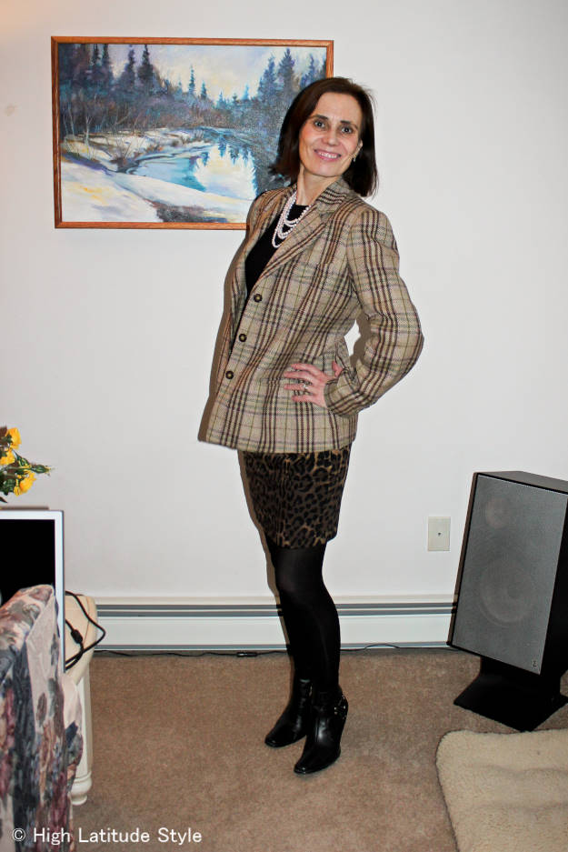 #fashionover40 #fashionover50 woman looking posh in an outfit with a mix of leopard print and plaid