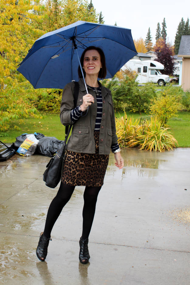 fashion blogger over40 wearing a mixed print outfit