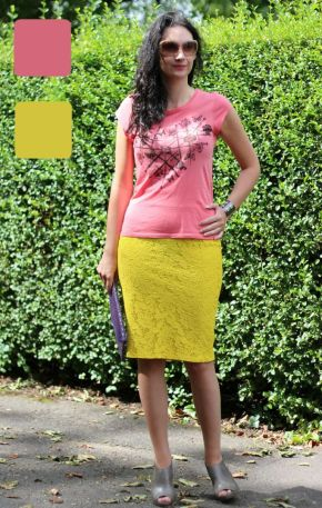 #fashionover40 #fashionover50 How to wear analogous colors: Example 4 of outfit in analogous colors - Guest post by Lorna Mai