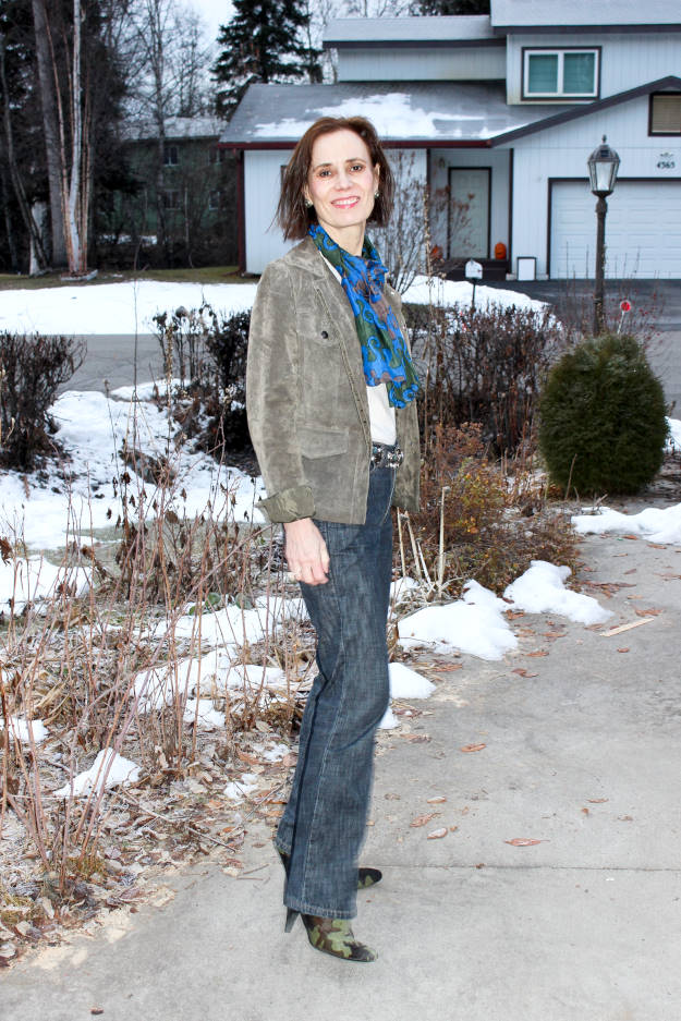#fashionover50 midlife woman in top chic casual Friday work outfit