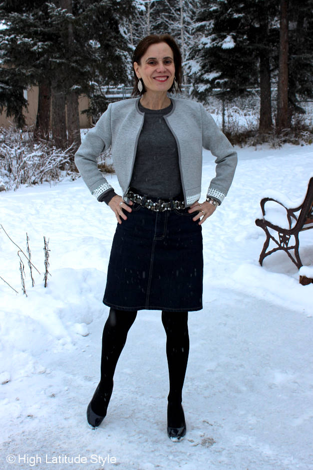 fashion blogger over 40 Styling a gray and blue work look