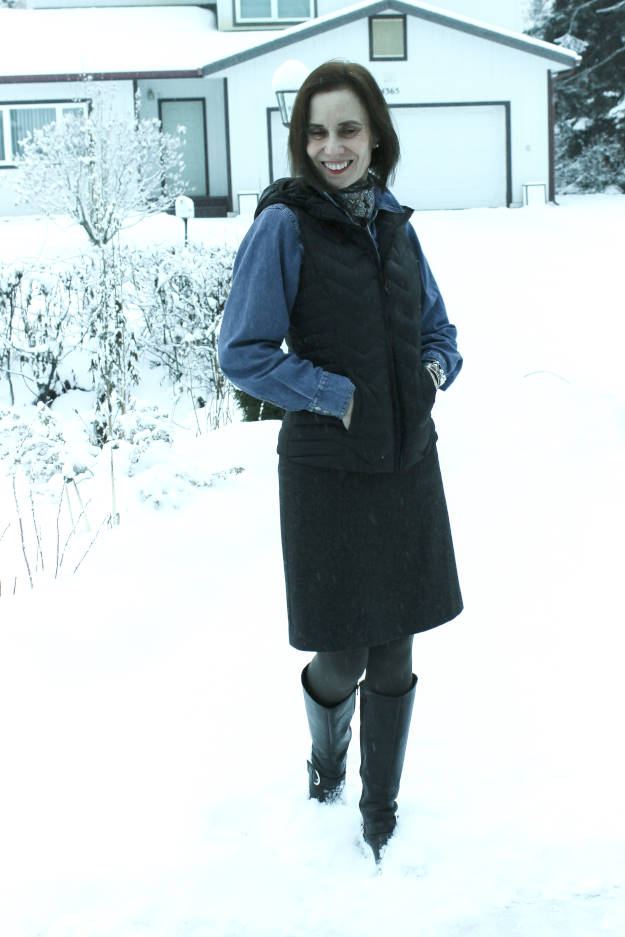 #Alaska #travel #fashion Woman in an outfit for aurora watching from a living room or hotel window
