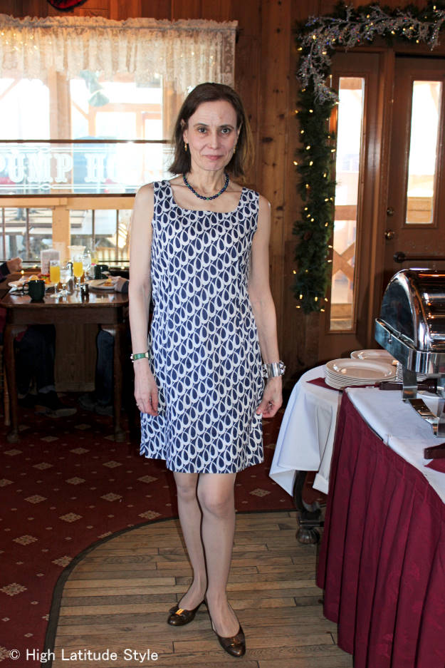 #maturefashion over 40 year old in printed shift dress