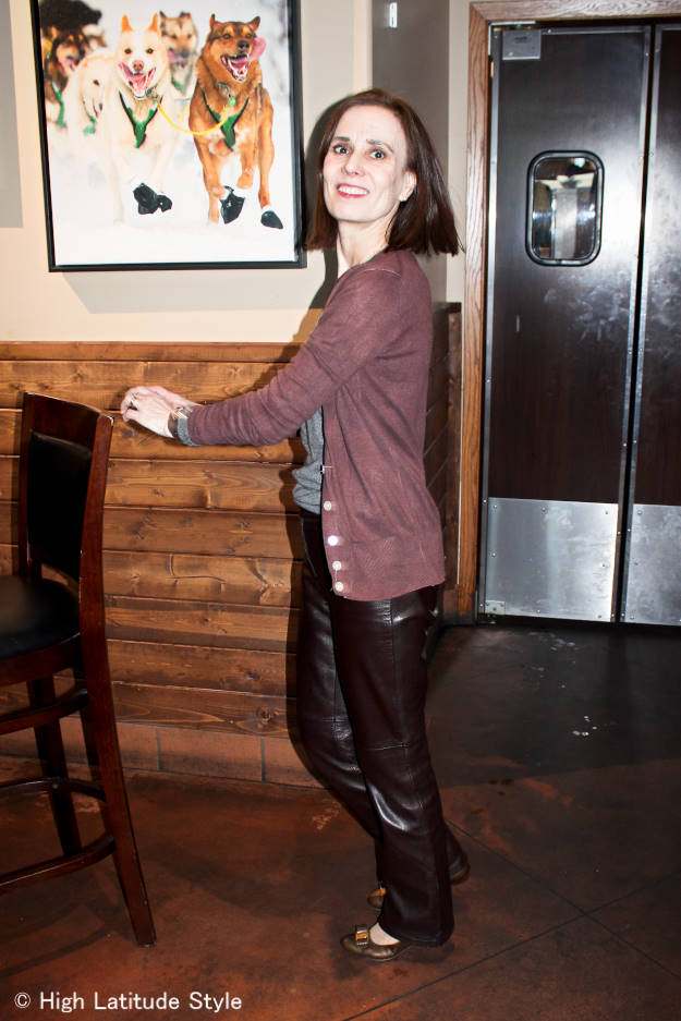 style blogger in faux twinset trousers winter business casual outfit