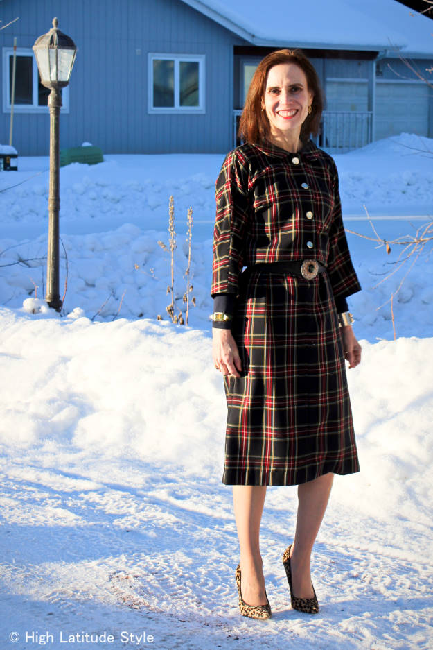 fashion blogger in plaid dress cut from a 60s pattern