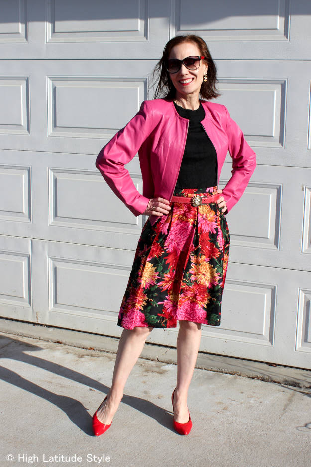 style blogger in floral print skirt with matching coat
