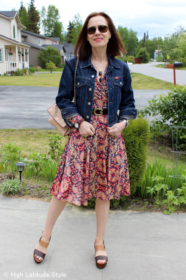 style blogger in paisley dress with denim jacket