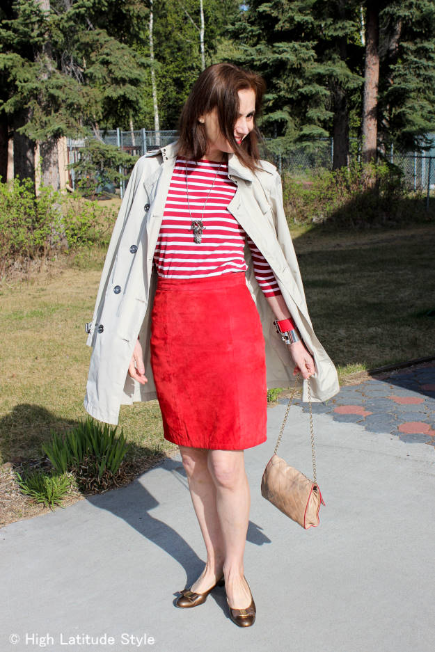 posh office outfit with suede skirt