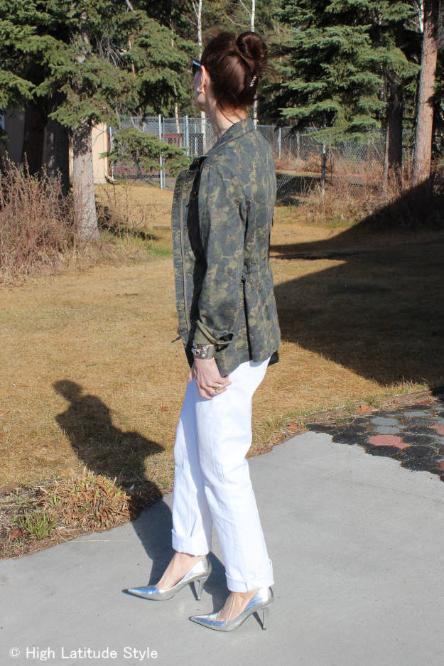 #midlifestyle woman in chic weekend style with utility jacket
