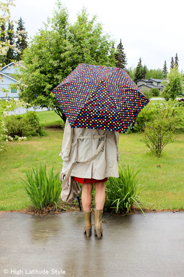 #fashionover40 Rain outfit for a city touring vacation