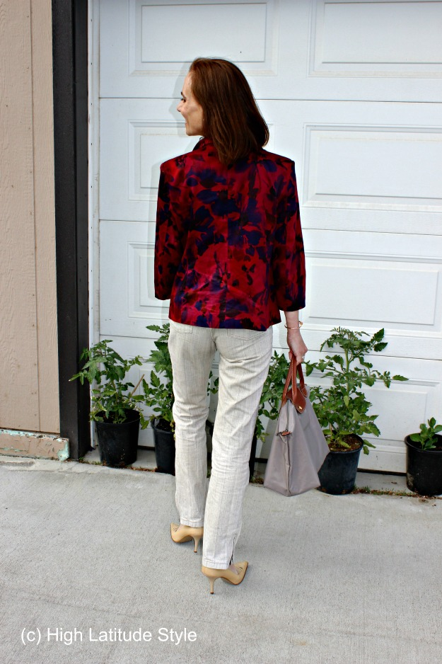 #fashionover50 linen pants with floral blazer for work
