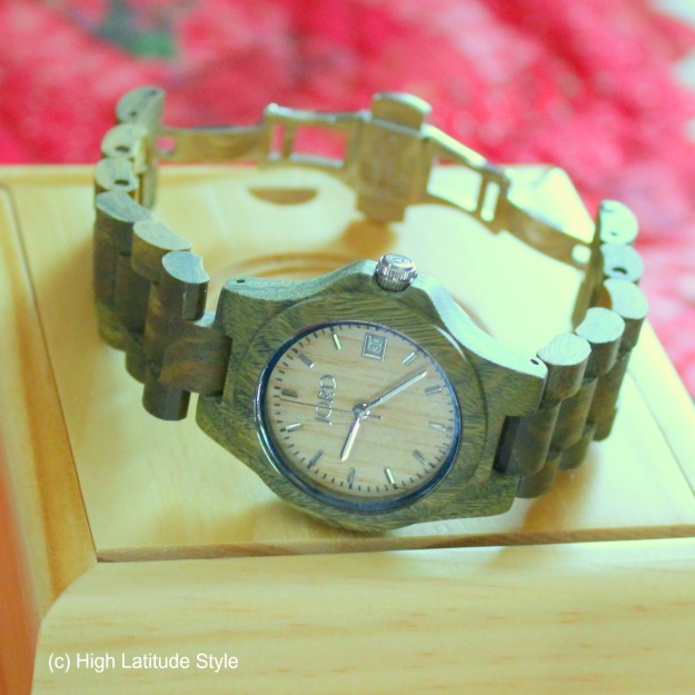 When you want an unique item get a wooden watch