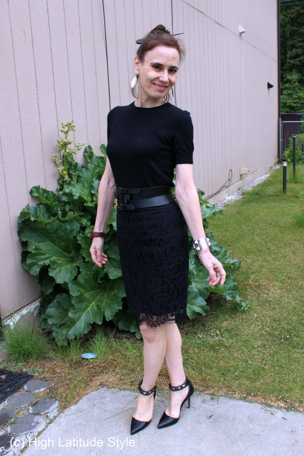 #maturestyle woman in resort style dinner look