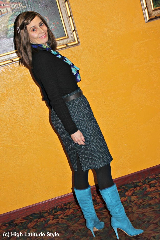 #fashionover40 woman in tweed skirt with turquoise boots